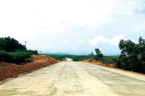 Cuối năm, hoàn thành 6 đoạn tuyến đường Hồ Chí Minh